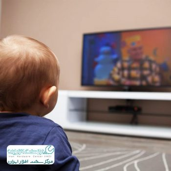 تماشای تلویزیون برای چشم نوزاد